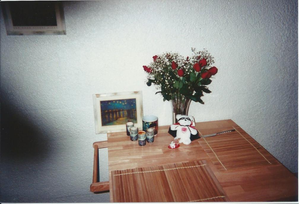 Valentine's Day flowers and bear 2000